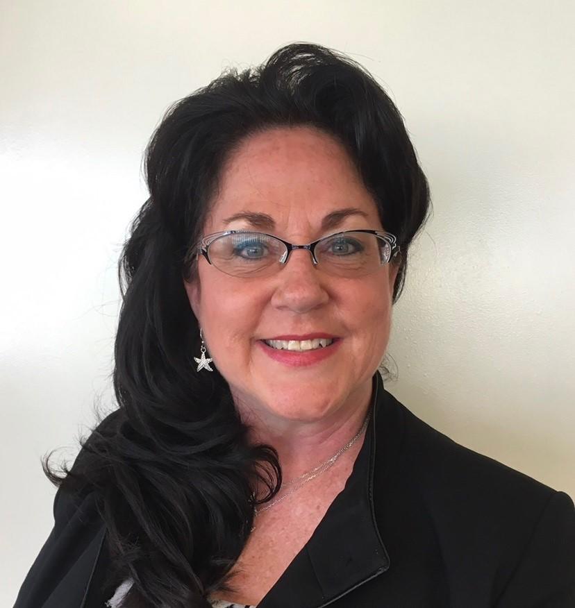 Headshot of Kellie Hoodiman, Funeral Director